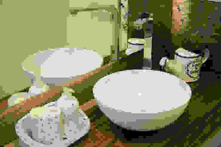 Bancada do lavabo Banheiros campestres por ARQ Ana Lore Burliga Miranda Campestre Cerâmica