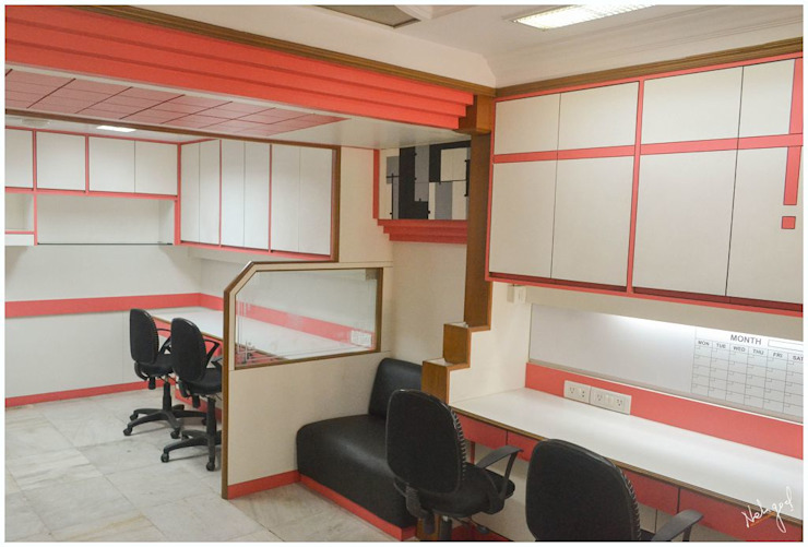The Compact Office Modern offices & stores by Neha Goel Architects Modern