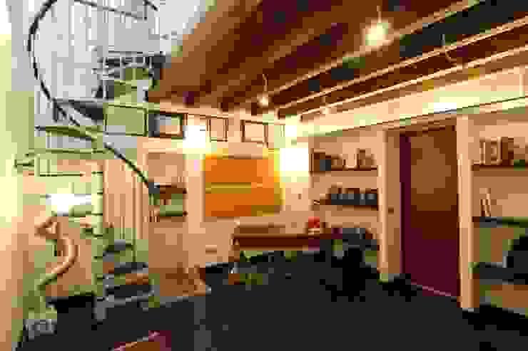 Ristrutturazione di un vecchio fabbricato per la sede dello studio Studio moderno di Giuseppe Rappa & Angelo M. Castiglione Moderno Ceramiche