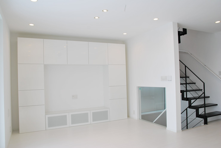 美しが丘二丁目ハウス モダンデザインの リビング の nakajima モダン