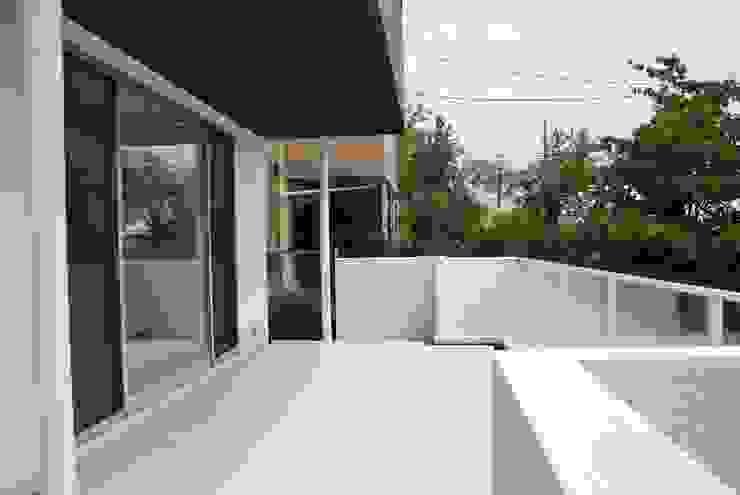 美しが丘二丁目ハウス モダンデザインの テラス の nakajima モダン