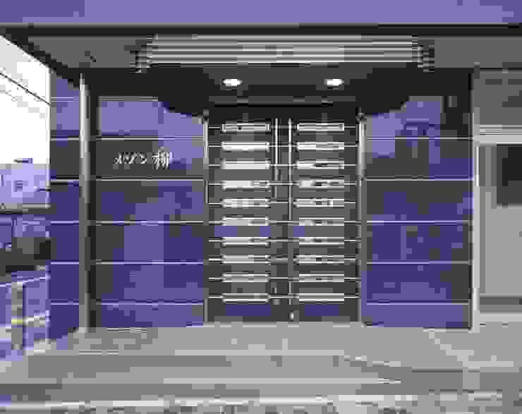 メゾン柳 モダンな 窓&ドア の nakajima モダン