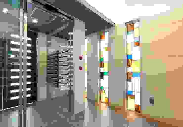 メゾン柳 モダンスタイルの 玄関&廊下&階段 の nakajima モダン