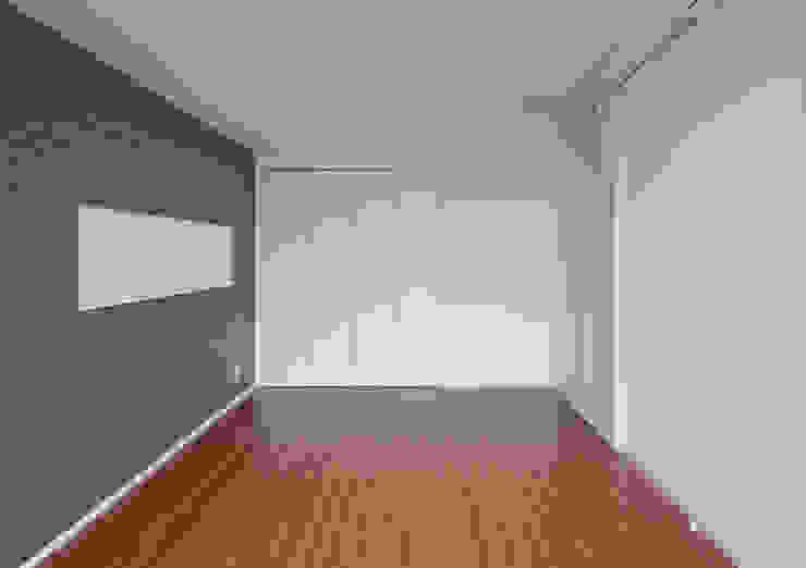 シャンドール小堀 モダンスタイルの寝室 の nakajima モダン