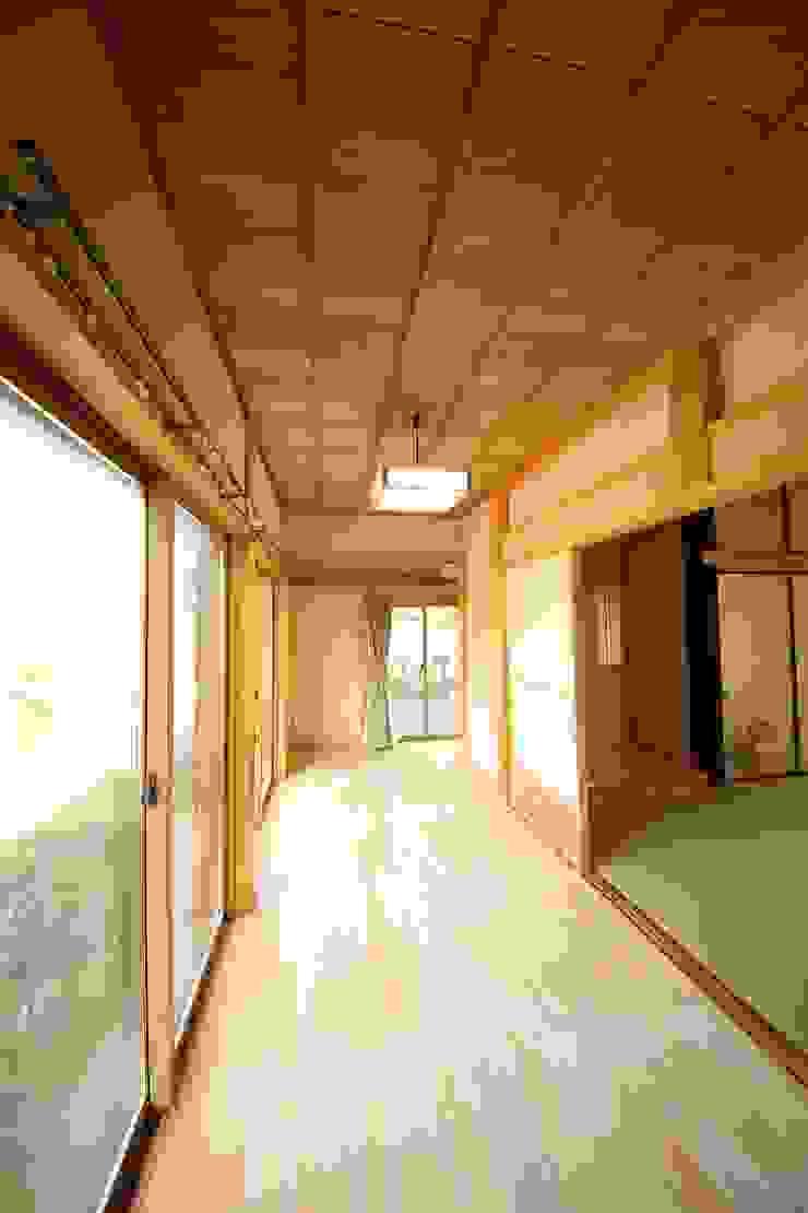 施工事例 3 モダンスタイルの 玄関&廊下&階段 の h-takeshi モダン