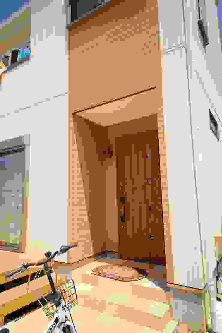 施工事例1 モダンな 窓&ドア の h-takeshi モダン