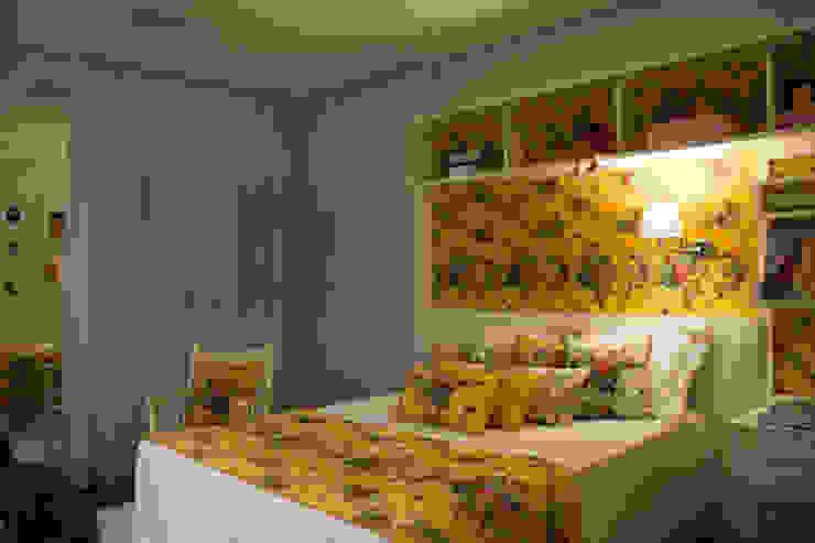 Dormitório de menina Quartos campestres por ARQ Ana Lore Burliga Miranda Campestre Têxtil Ambar/dourado