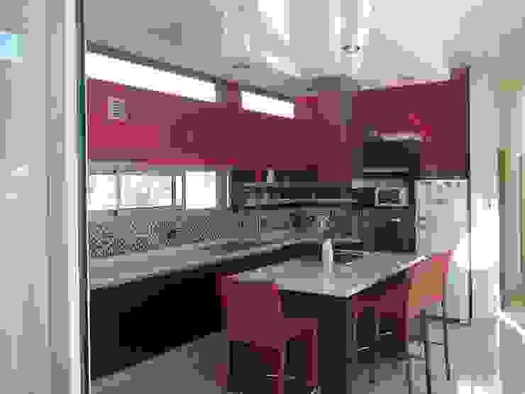 Cozinhas modernas por concepturbano Moderno