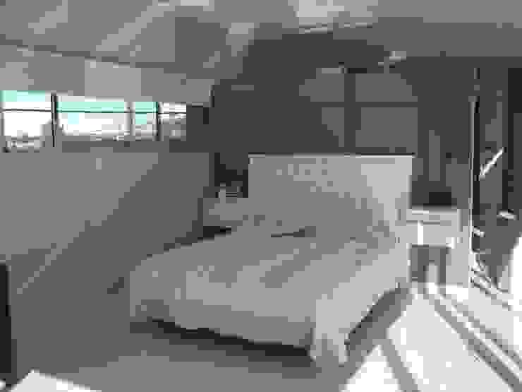 Dormitorio Dormitorios modernos: Ideas, imágenes y decoración de concepturbano Moderno