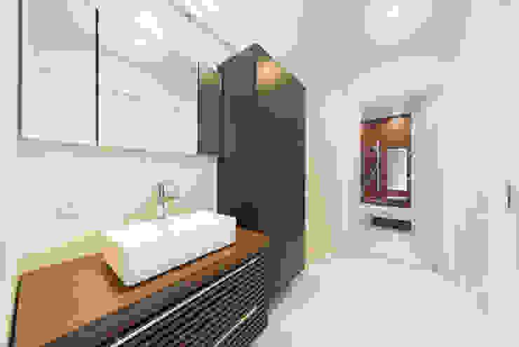 眺める森の家 洗面室 の フォーレストデザイン一級建築士事務所