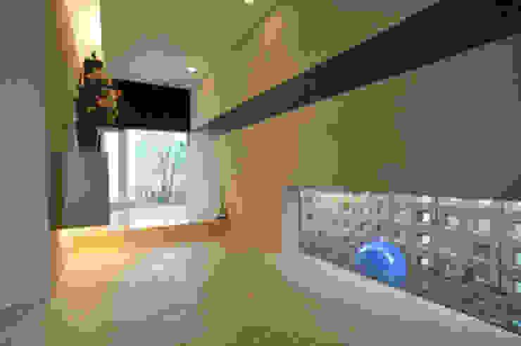 エントランススペース モダンスタイルの 玄関&廊下&階段 の 一級建築士事務所ATELIER-LOCUS モダン 石