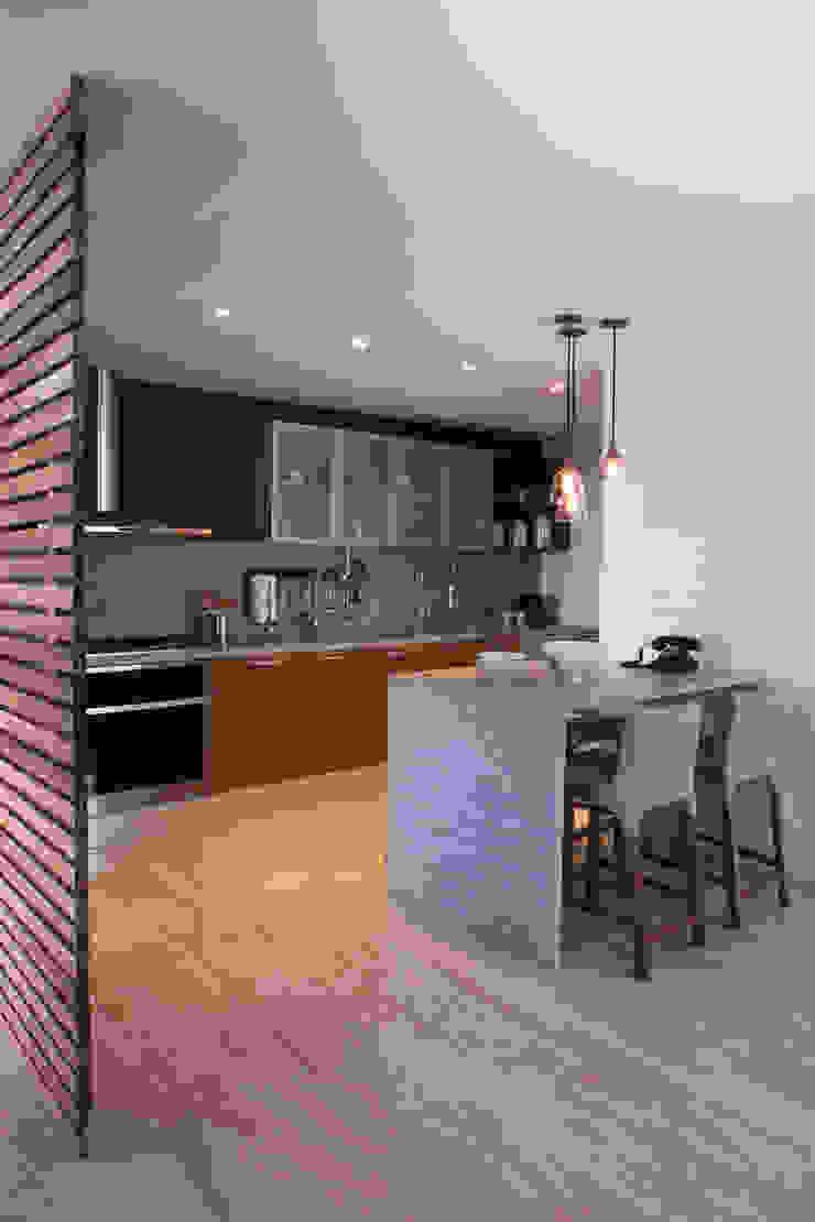 Proyecto PH Las Flores Cocinas modernas de Basch Arquitectos Moderno