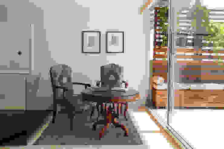 现代客厅設計點子、靈感 & 圖片 根據 Basch Arquitectos 現代風