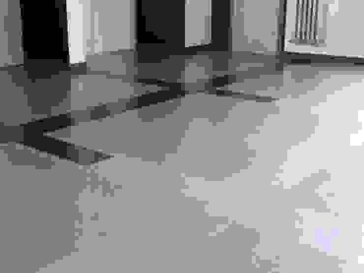 Fussboden im Bauhaus Dessau (Detail) Moderne Wände & Böden von LEOSTEEN Steinholz - farbiger Beton aus Naturstoffen Modern Stein