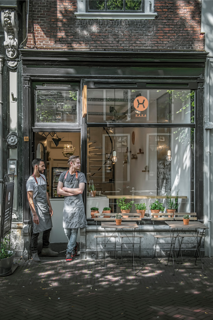 Design Studio Nu Gastronomia in stile industrial Nero