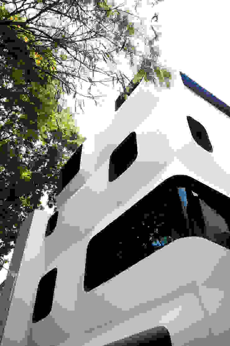 S-House Modern houses by SDeG Modern