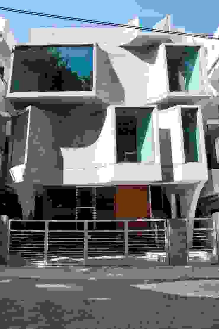 Shipara Modern office buildings by SDeG Modern