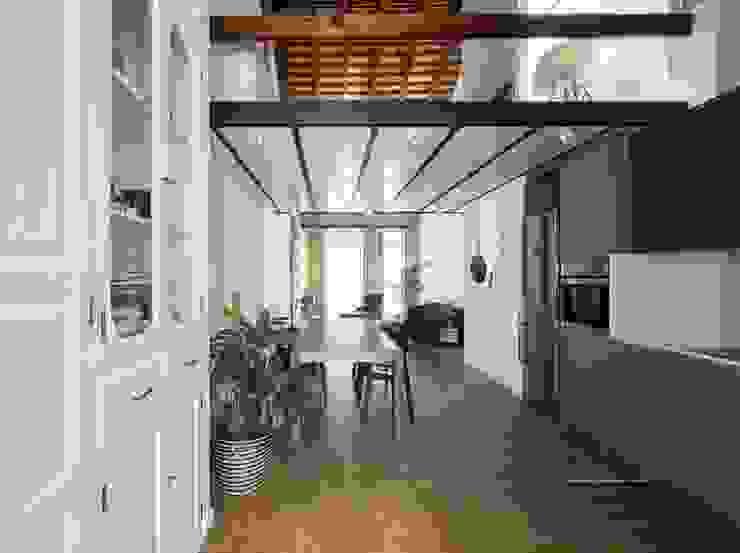 Modern dining room by amBau Gestion y Proyectos Modern