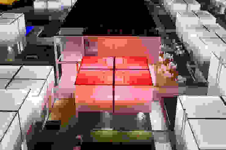 Unidade de Habitação com sistema de emergência activado Casas mediterrânicas por guedes cruz arquitectos Mediterrânico