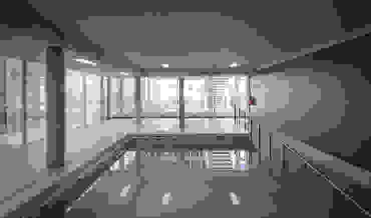 지중해스타일 수영장 by guedes cruz arquitectos 지중해