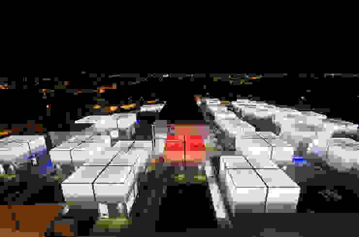 Vista Aérea Exterior Noite Casas mediterrânicas por guedes cruz arquitectos Mediterrânico