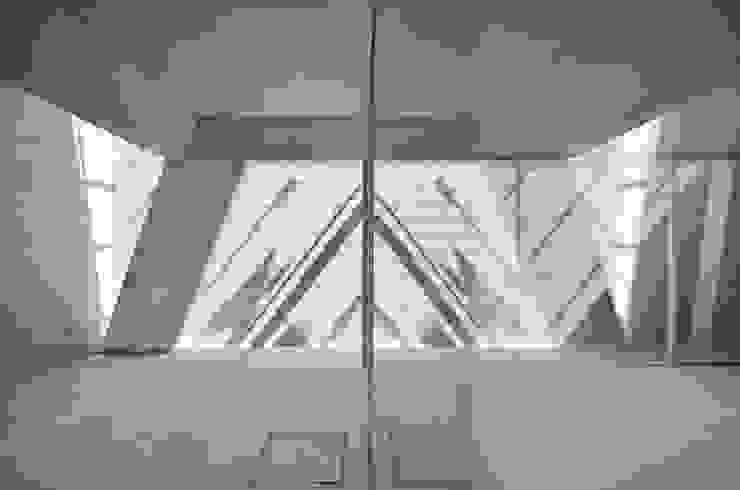 Vista Interior Janelas e portas minimalistas por guedes cruz arquitectos Minimalista