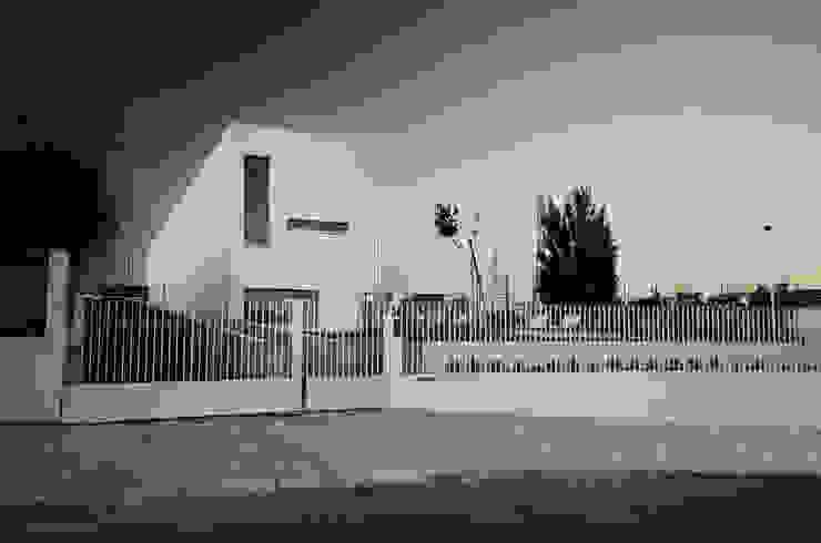 Vista Exterior Casas minimalistas por guedes cruz arquitectos Minimalista