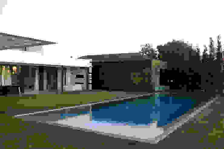 Projekty,  Basen do ogrodu zaprojektowane przez guedes cruz arquitectos