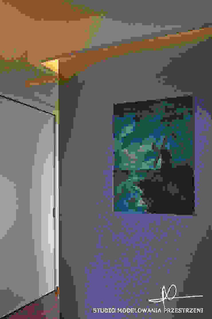 nowoczesne i przytulne mieszanie Nowoczesny korytarz, przedpokój i schody od Studio Modelowania Przestrzeni Nowoczesny