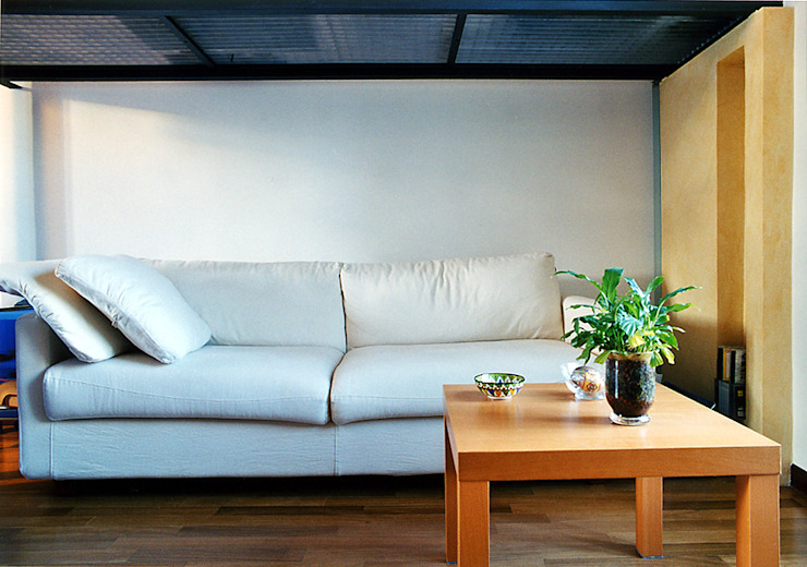 Modern living room by Nicola Sacco Architetto Modern Wood Wood effect