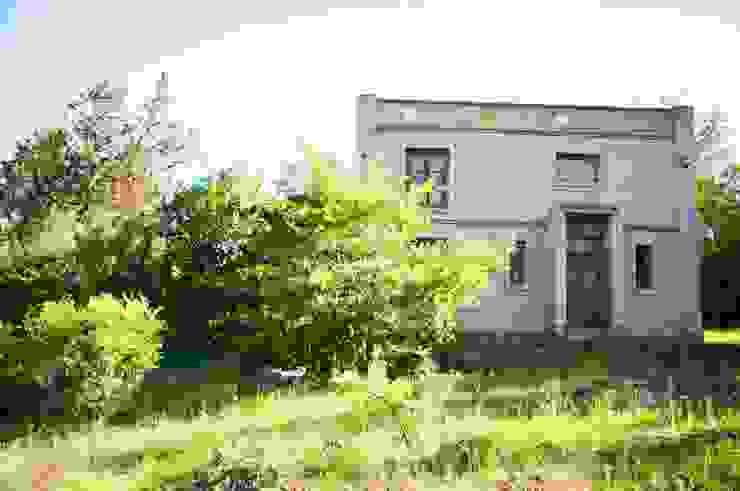 ラスティックな 家 の Abitar arquitectura ラスティック