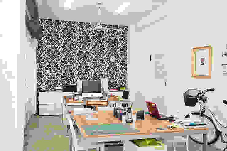 Oficina Punch TAD Oficinas de estilo ecléctico de PUNCH TAD Ecléctico