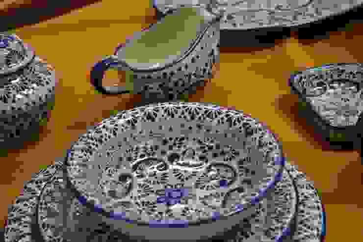 Piezas de Talavera para la cocina:  de estilo colonial por Maria Juana Art , Colonial Cerámica