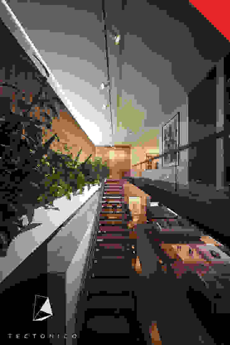 Casa de Campo Querétaro Pasillos, vestíbulos y escaleras minimalistas de Tectónico Minimalista