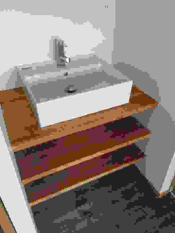 洗面室: TIEN natural comfort design roomが手掛けた折衷的なです。,オリジナル