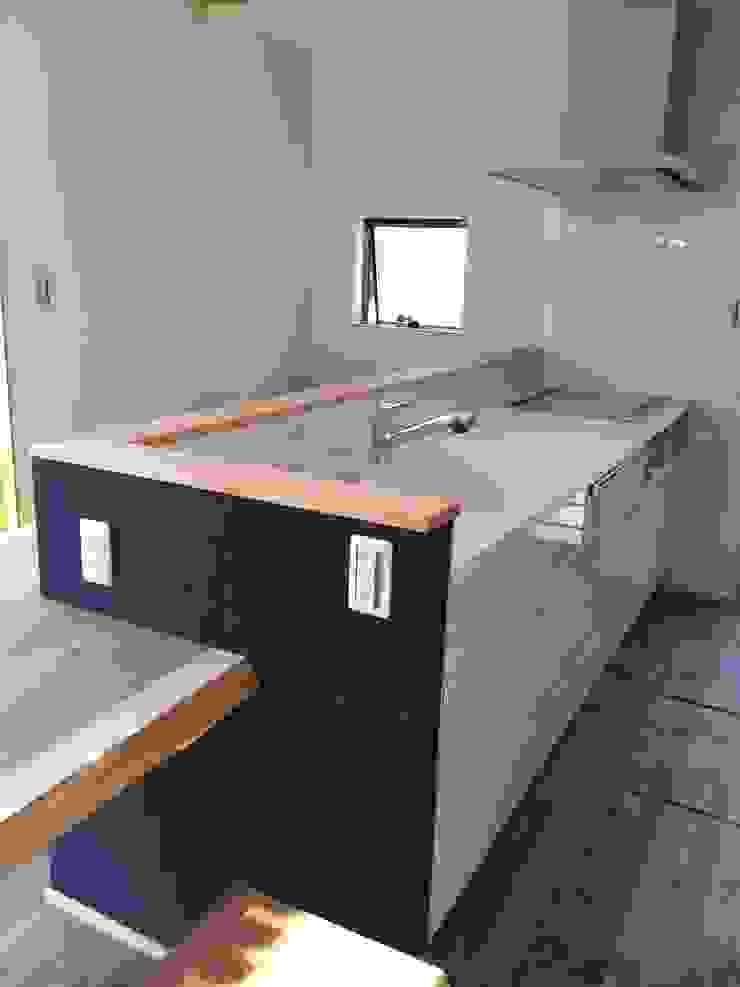 キッチン: TIEN natural comfort design roomが手掛けたミニマリストです。,ミニマル