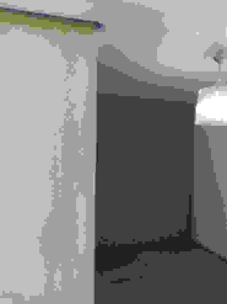 VIVAinteriores ห้องโถงทางเดินและบันไดสมัยใหม่ Blue