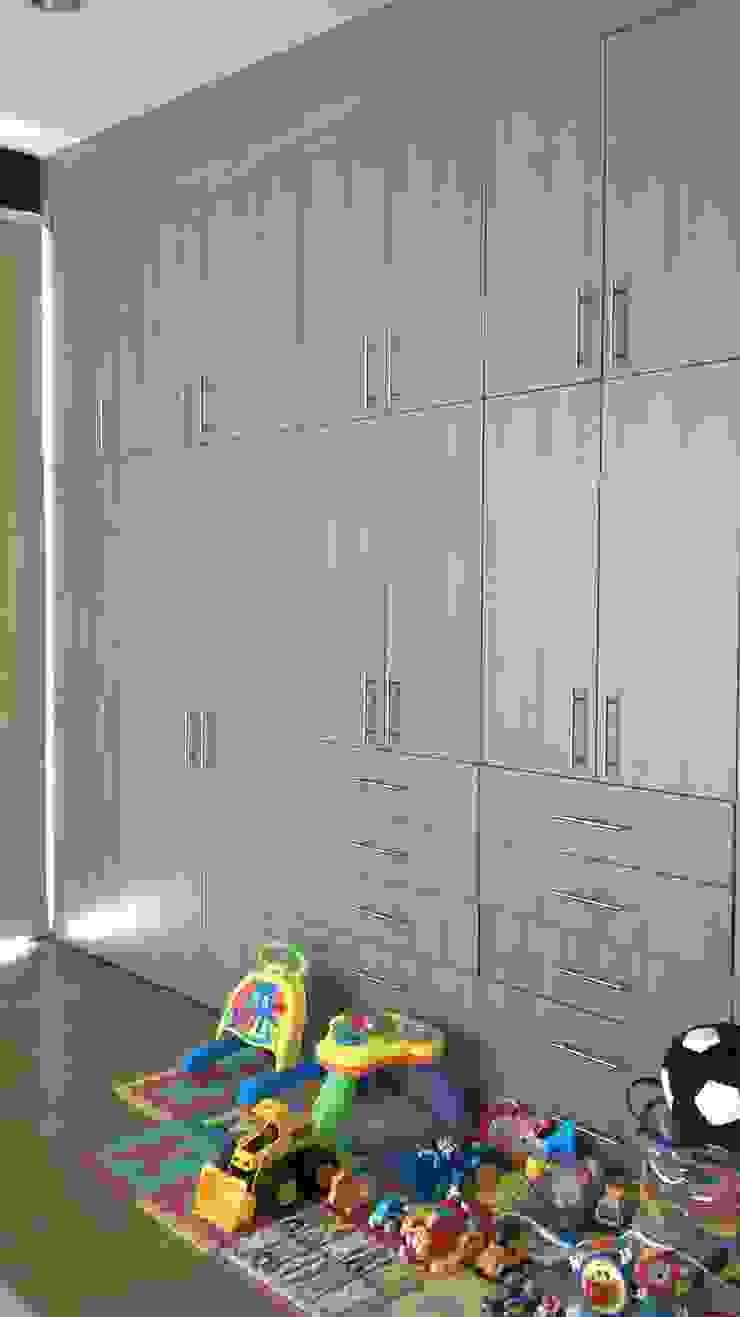 Closet de k4bim Moderno
