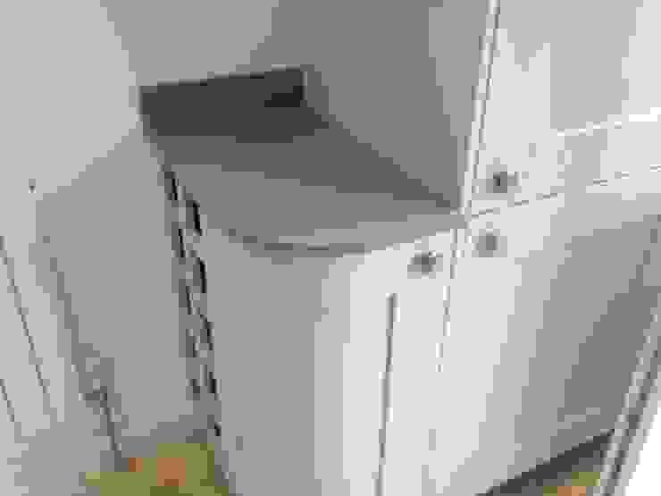 Samsung Mystic Platinum Quartz Classic style kitchen by Marbles Ltd Classic
