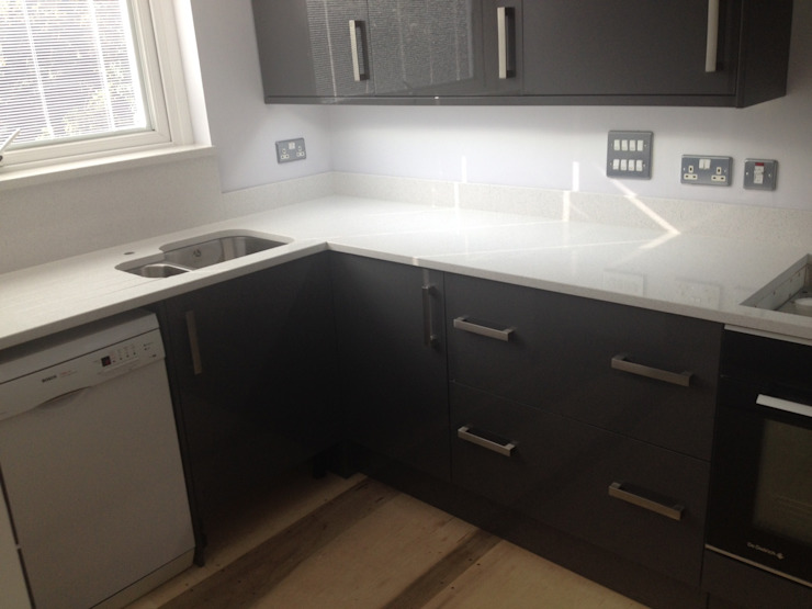 Worktops Modern kitchen by Marbles Ltd Modern
