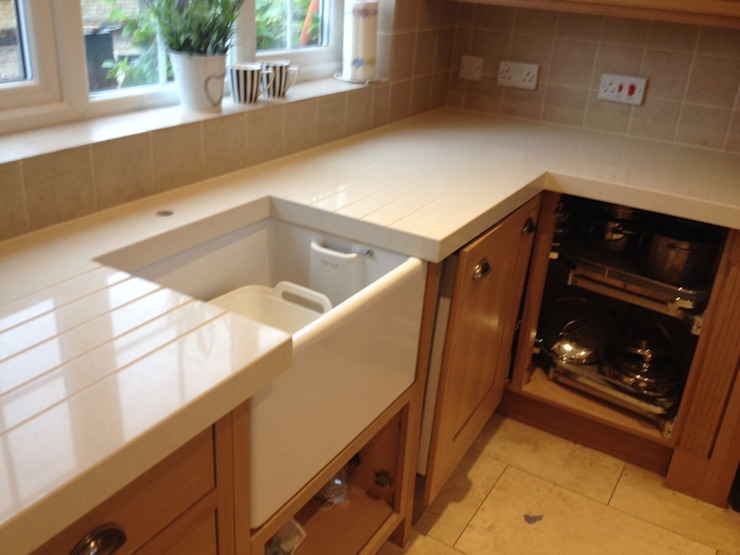 Silestone Daria Quartz Overlay Classic style kitchen by Marbles Ltd Classic
