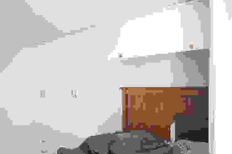 Dormitorios de estilo moderno de 위드디자인 Moderno