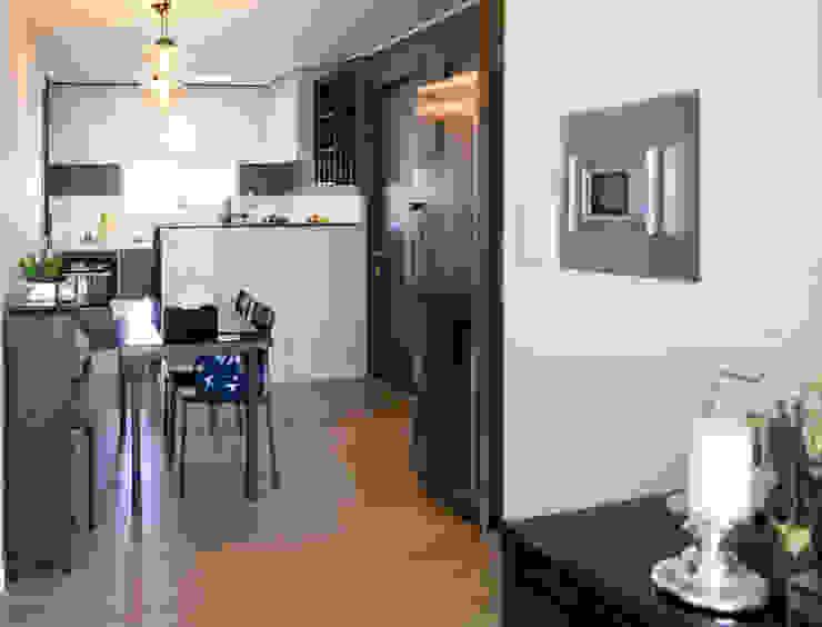 Modern dining room by 위드디자인 Modern