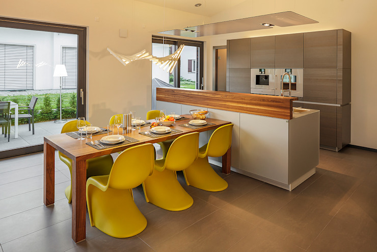 Modern dining room by Lopez-Fotodesign Modern