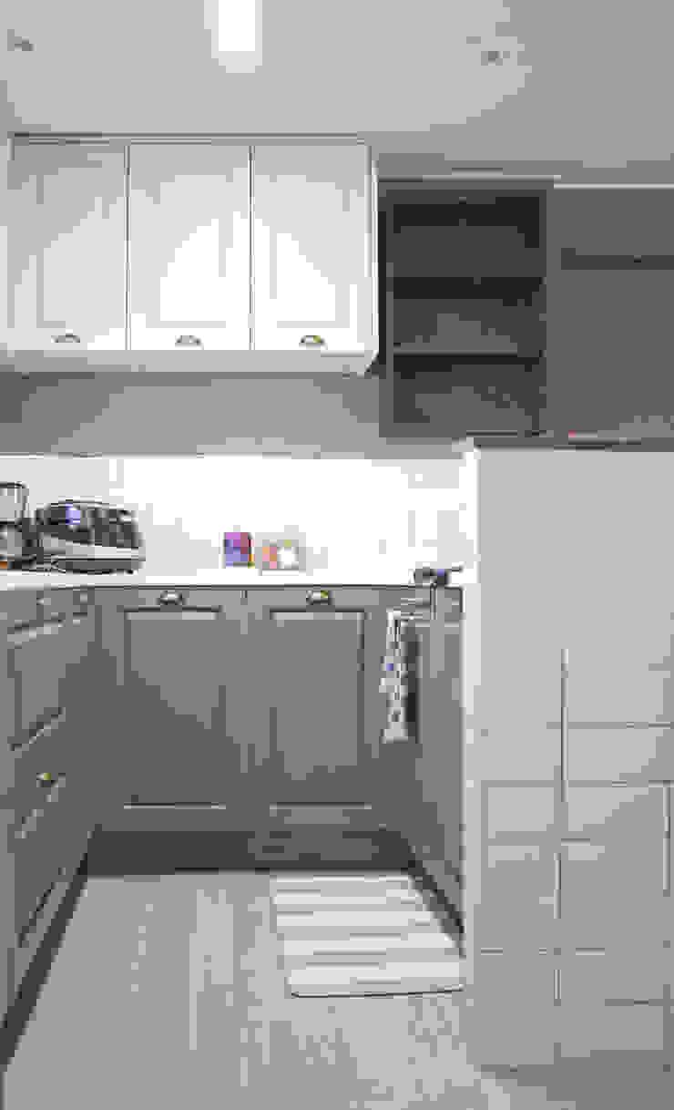 Modern kitchen by 위드디자인 Modern