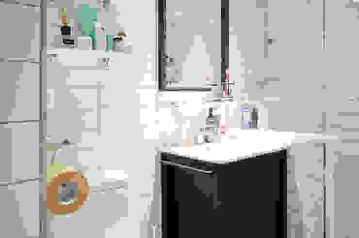 Modern bathroom by 위드디자인 Modern