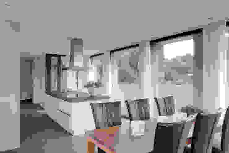 Modern kitchen by BenW architecten Modern
