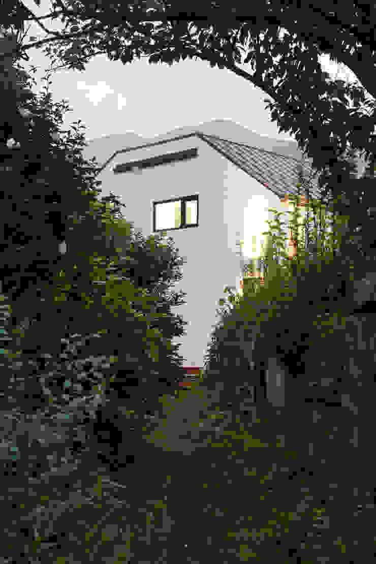 양평 오솔집 모던스타일 주택 by B.U.S Architecture 모던