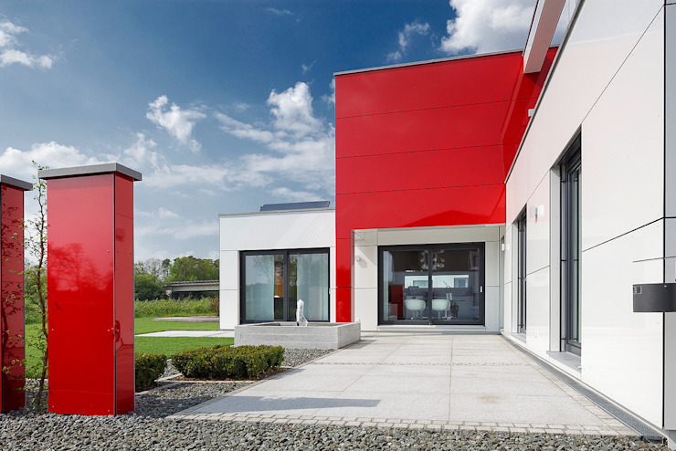 Lopez-Fotodesign Balcones y terrazas de estilo moderno Rojo