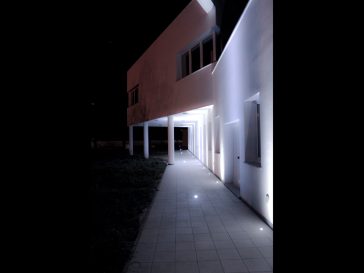 Studio Gianluca Centurani의  주택, 모던